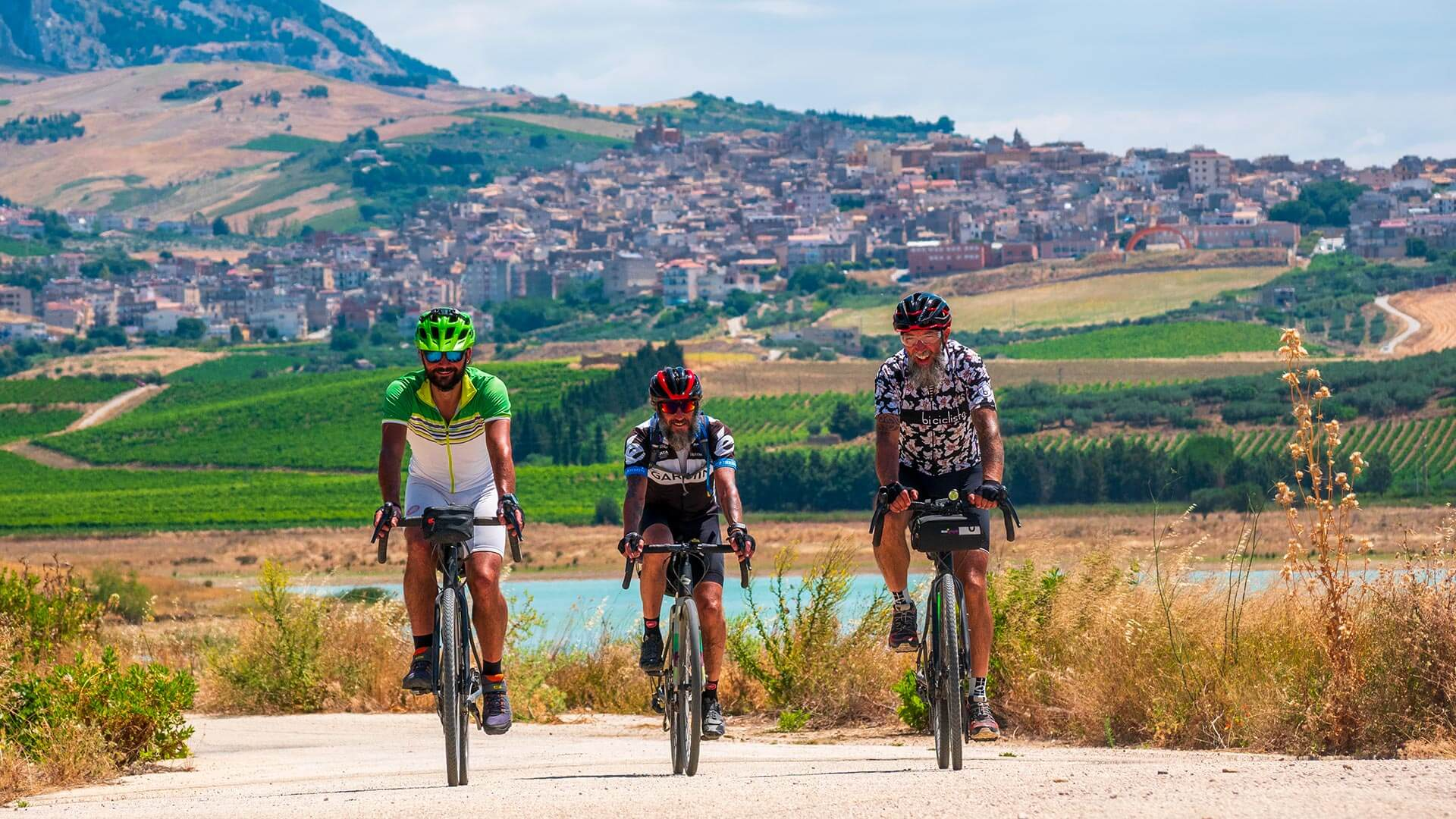Socily Divide ciclisti